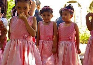 Picture of bridesmaids representing fabric senses
